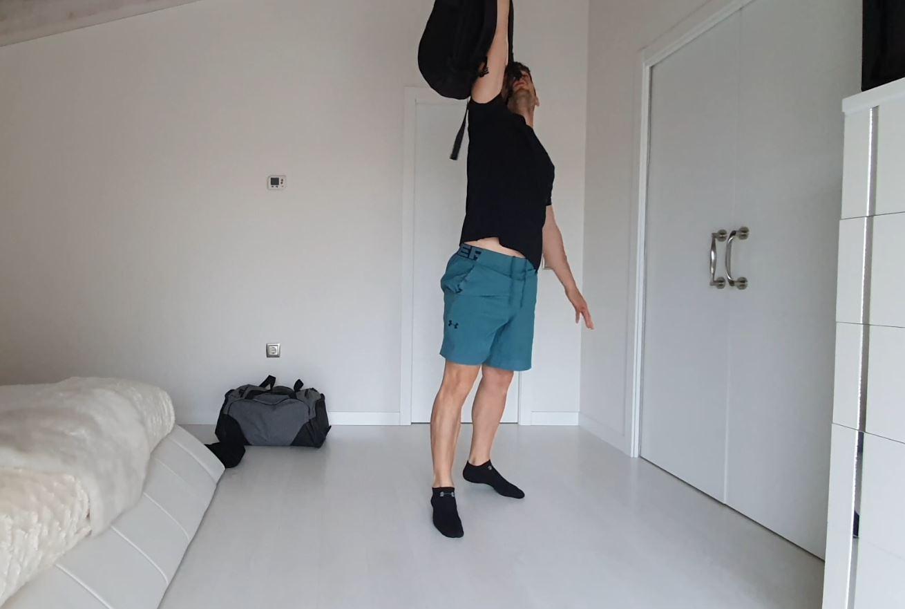 Yo entreno en casa / Día 34: Mochilas y toalla